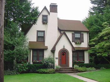 C 1940 Tudor Revival In Farmingdale New York Oldhouses Com