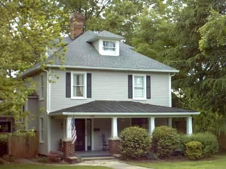 1912 American Foursquare In Mooresville North Carolina