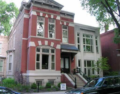 1895 Brownstone Row House In Chicago Illinois