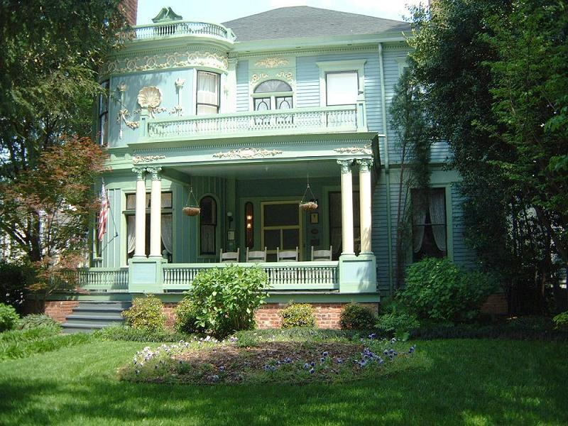 Capitol Hill Mansion 1891 Restored Richardsonian