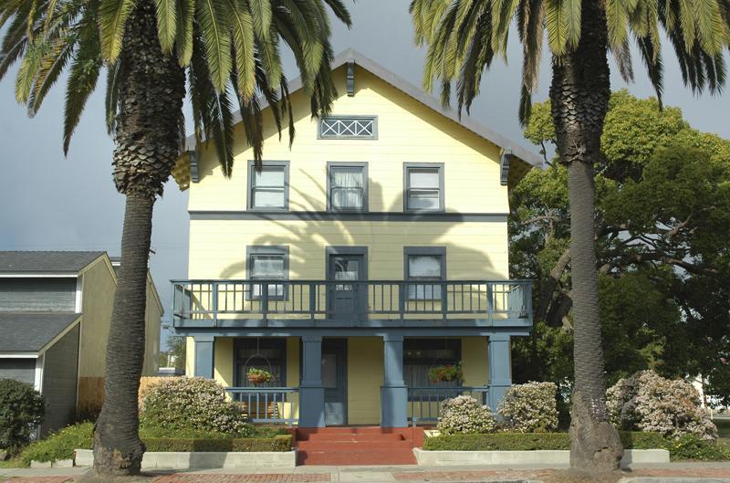C 1906 Historic Home In Huntington Beach California