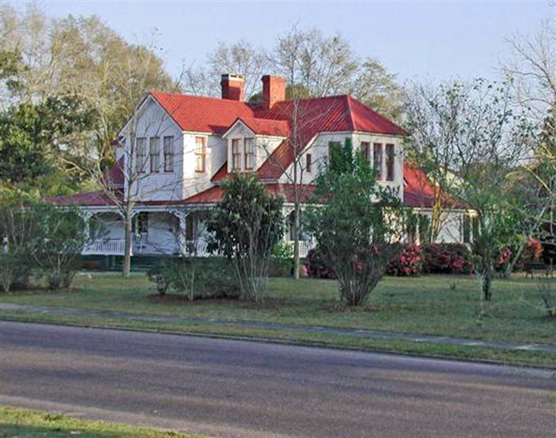 C 1890 victorian in defuniak springs florida for Victorian homes for sale in florida