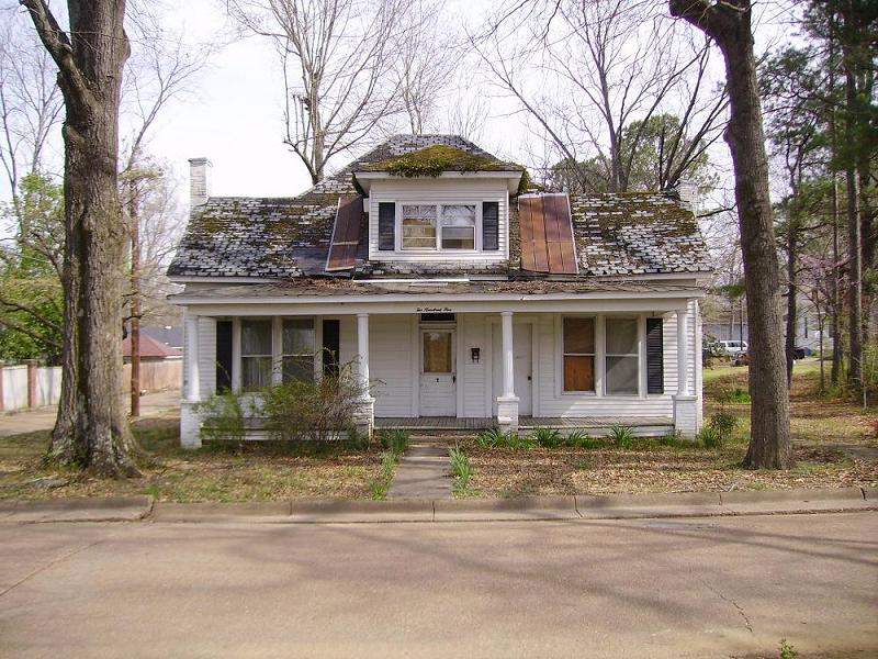 C 1900 cracker house in new albany mississippi for Classic houses images