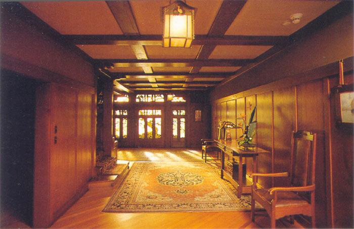 1909 craftsman bungalow in pasadena california Hallway to master bedroom