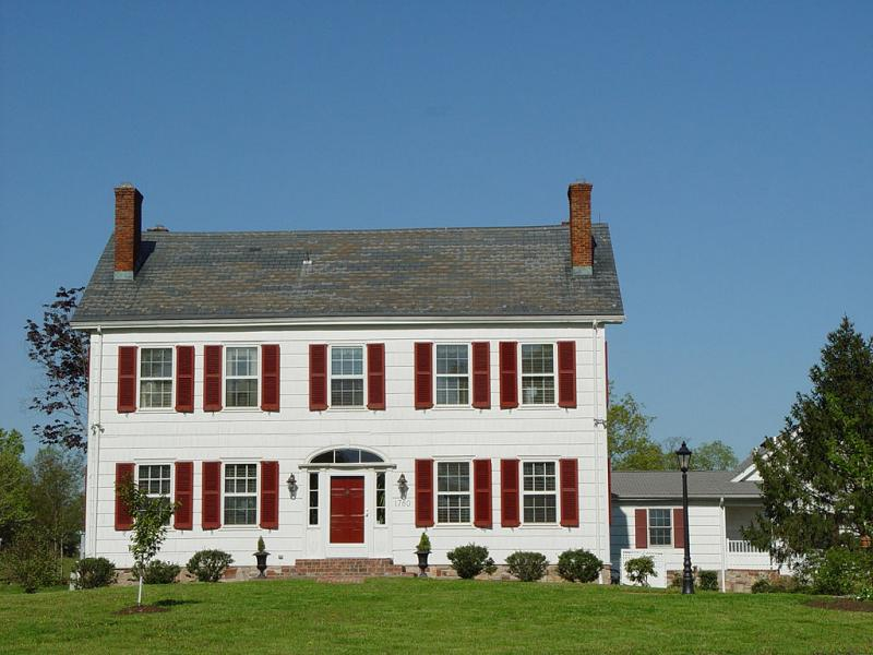 Characteristics of a federal style house