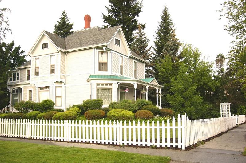 1884 victorian queen anne in spokane washington for 3 story victorian house