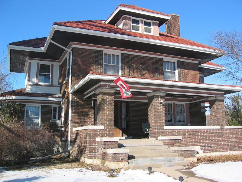 1912 american foursquare in liberty missouri for Home builders missouri