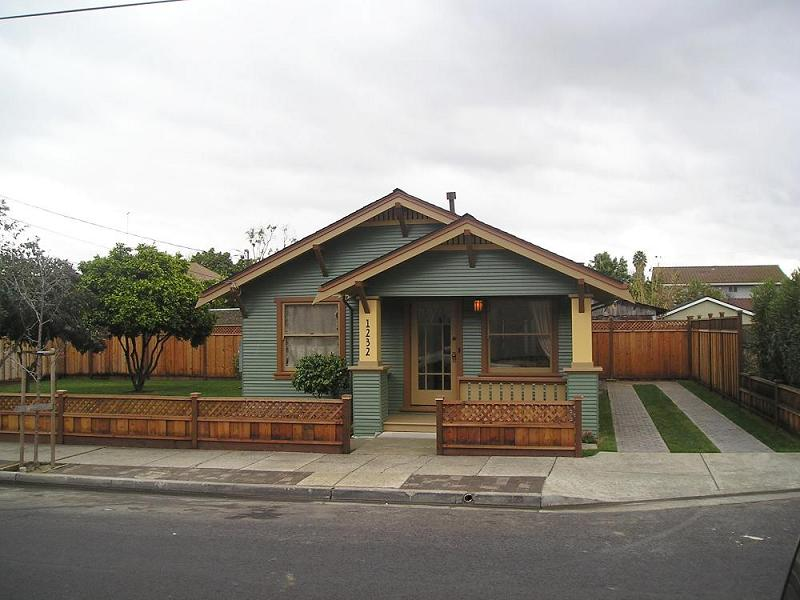 C 1915 california bungalow in santa clara california for Craftsman style homes for sale in california