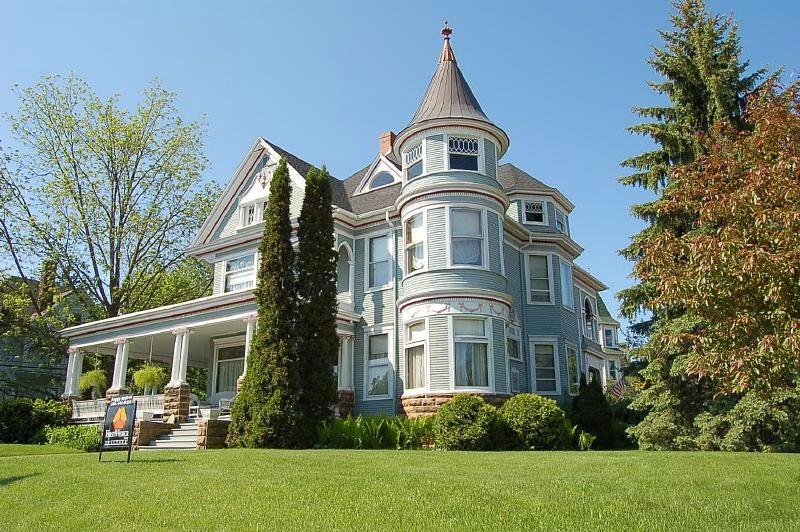 1897 Victorian Queen Anne In Lodi Wisconsin Oldhouses Com