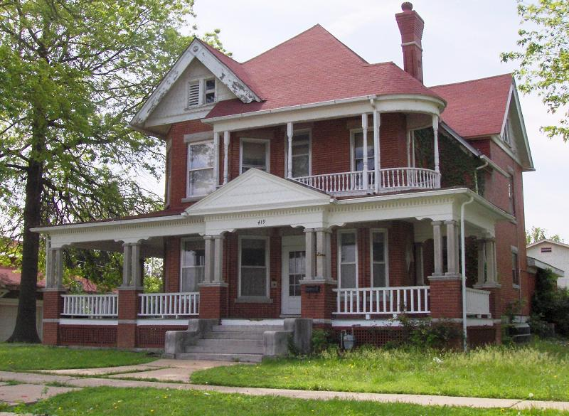 1897 victorian in independence kansas for Brick victorian house