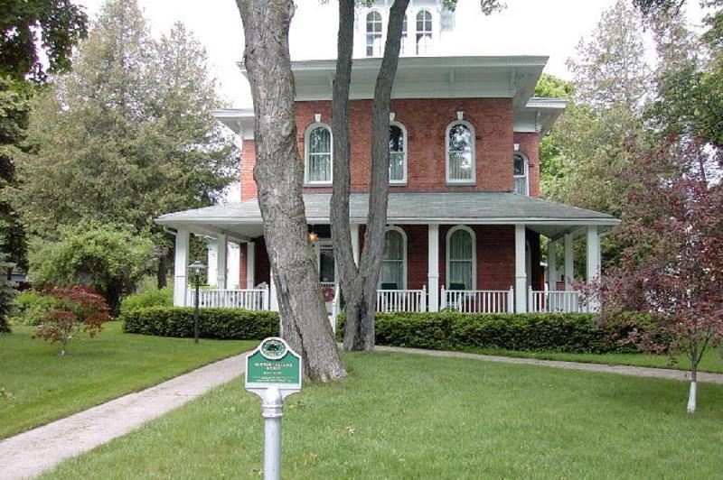 1871 Victorian In Cheboygan Michigan Oldhouses Com