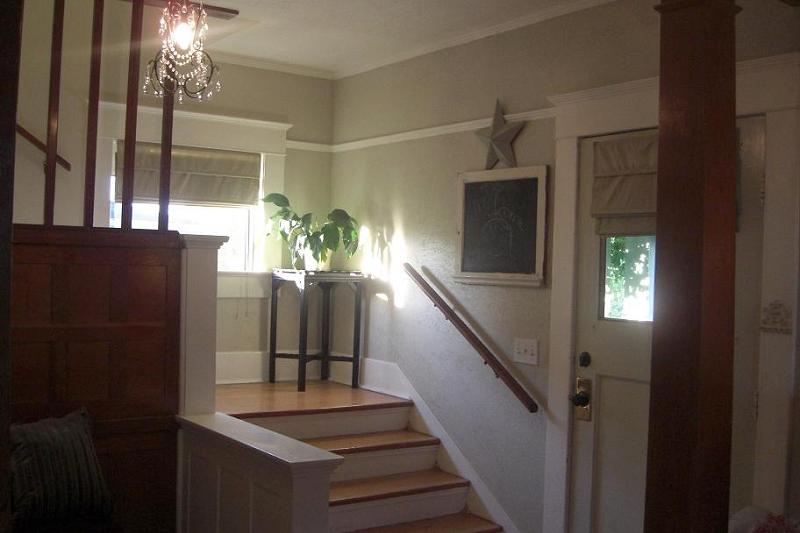 Large Foyer Xl : Craftsman foursquare in albany oregon oldhouses