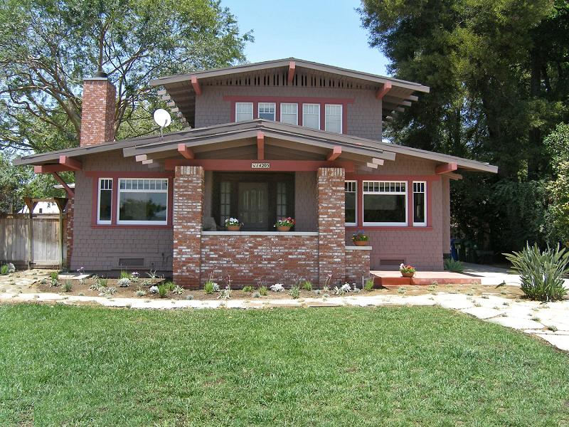1913 Craftsman Bungalow In Van Nuys California
