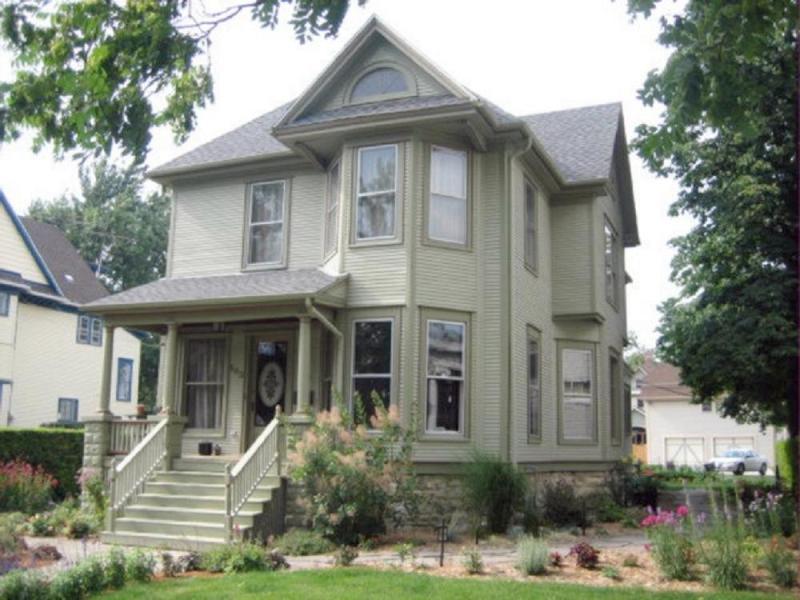 C 1910 Victorian In Joliet Illinois Oldhouses Com