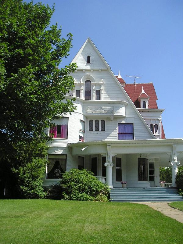 C 1890 Victorian In Marshalltown Iowa Oldhouses Com