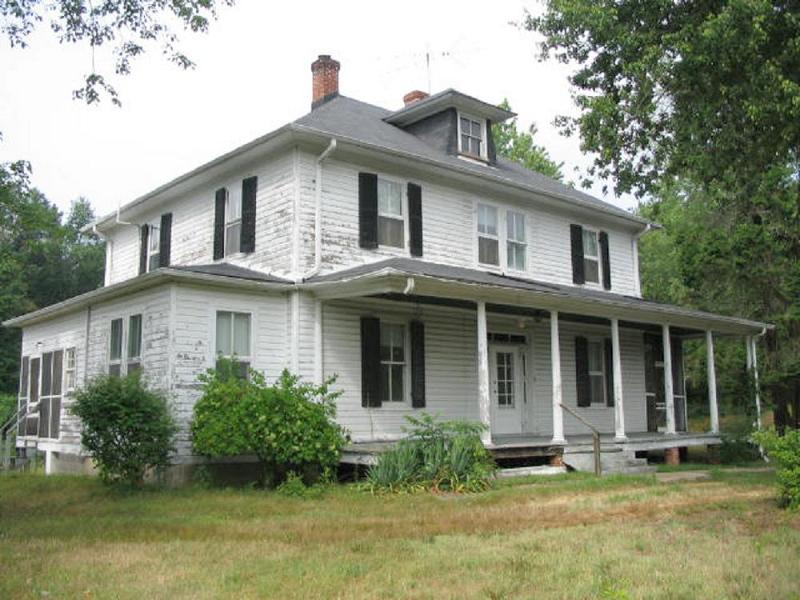 1900 Farmhouse in Waldorf, Maryland - OldHouses com