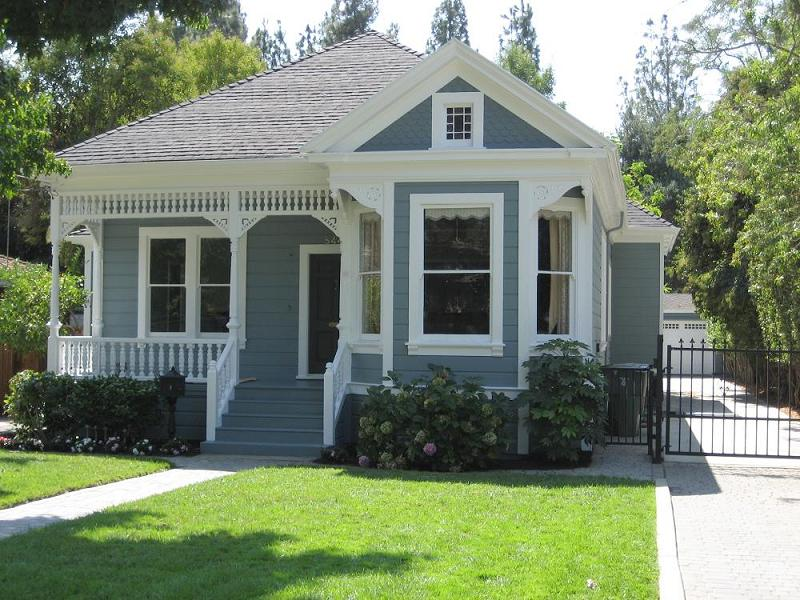 Fully Renovated 1895 Victorian