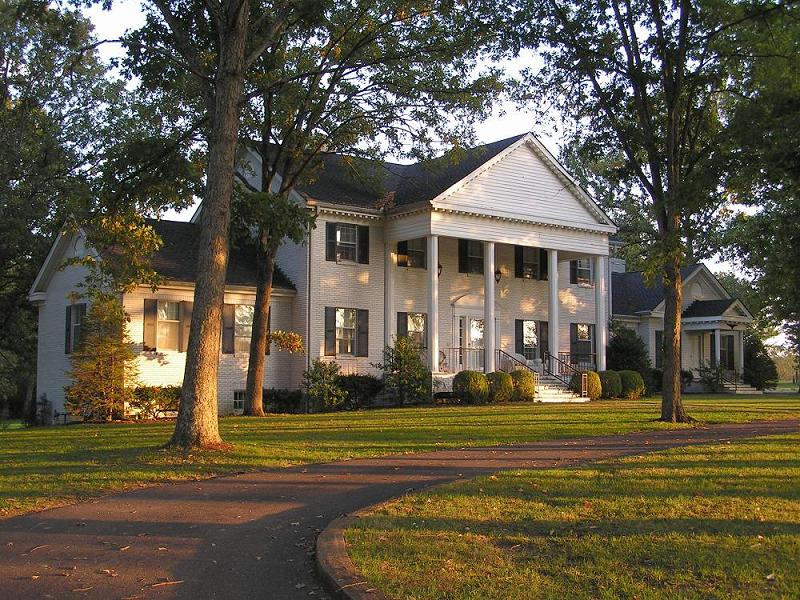 Southern Colonial In Centerville Tennessee Oldhouses Com