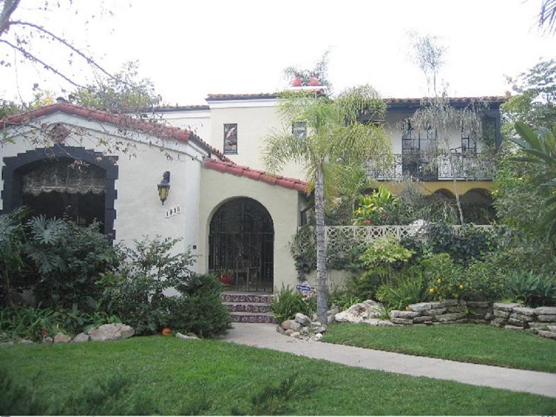 1932 spanish colonial in los angeles california for Spanish style fountains for sale