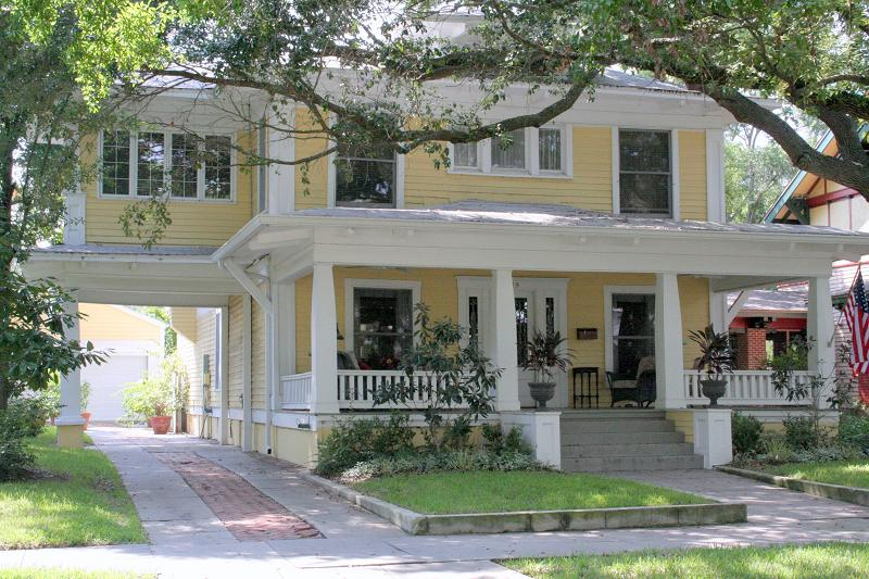 1917 Craftsman Foursquare In Tampa, Florida