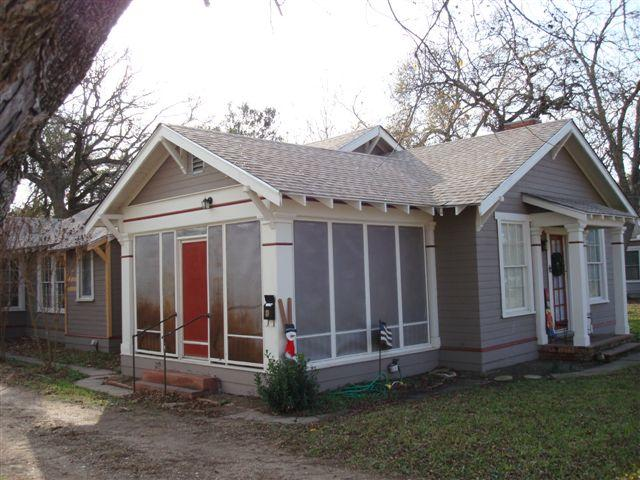 1925 craftsman bungalow in marlin texas for Craftsman homes for sale in texas
