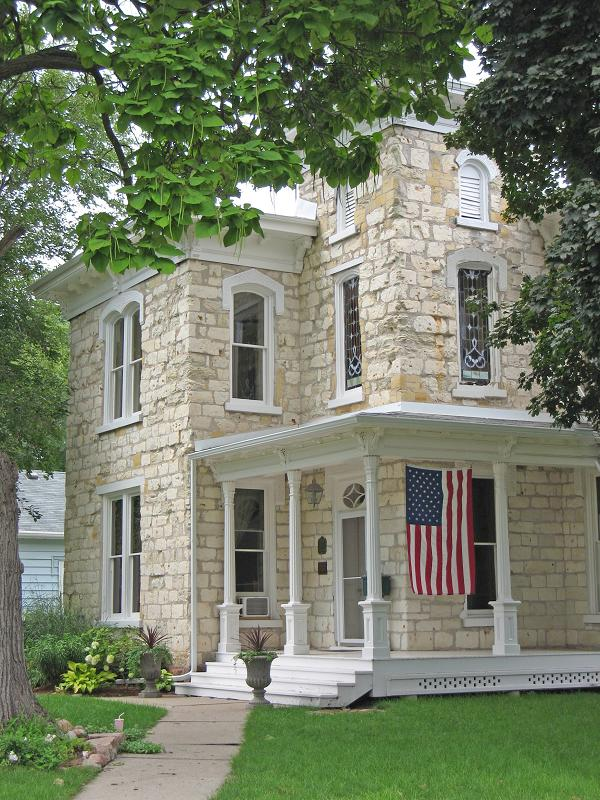 1883 italianate in canton south dakota for Italianate homes for sale