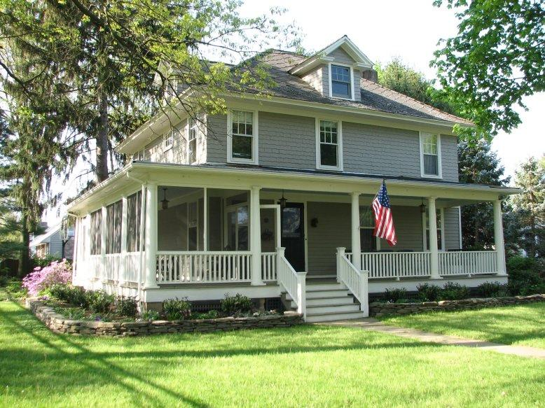 c. 1912 American Foursquare in Pennington, New Jersey - OldHouses.com