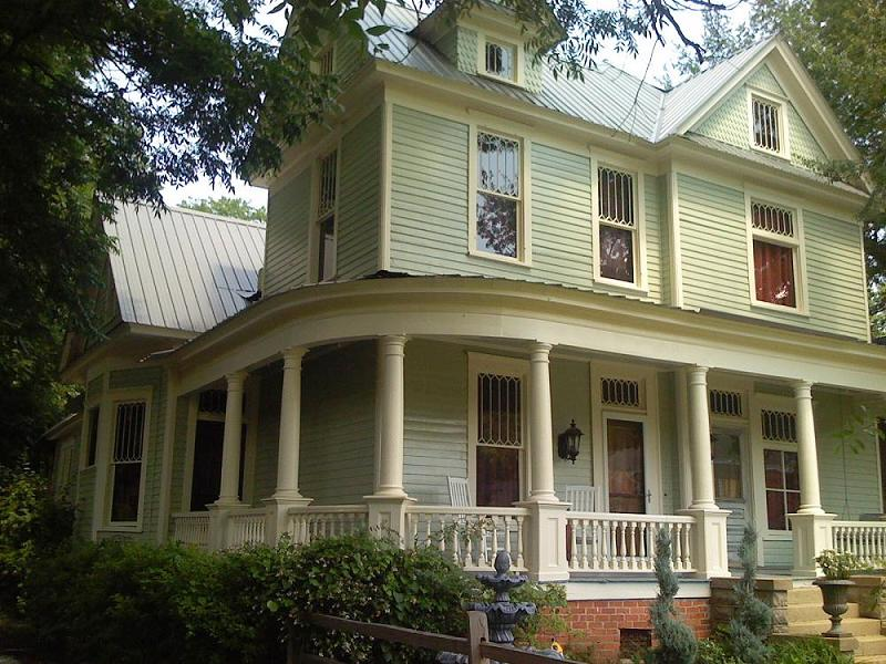C 1900 Victorian Queen Anne In Montgomery Alabama
