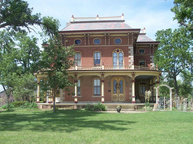 1871 Italianate in Pella, Iowa - OldHouses.com
