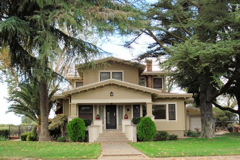 1924 Craftsman Bungalow In Lodi California Oldhouses Com