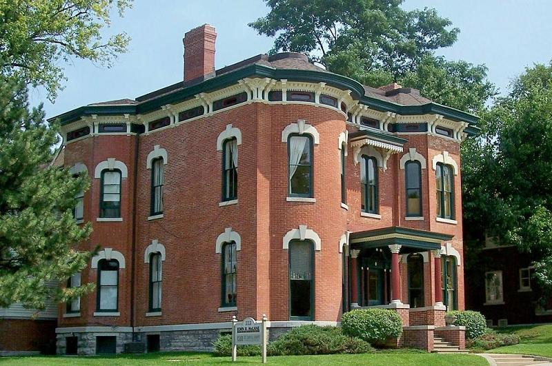 1855 italianate in dixon illinois for Italianate homes for sale