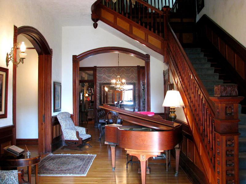 House Foyer Xl : Victorian in comfort texas oldhouses
