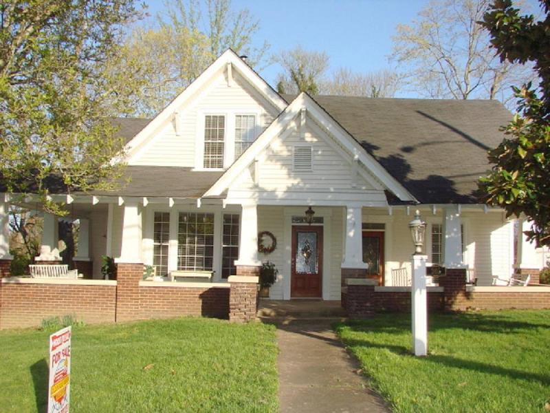 C 1900 Craftsman Bungalow In Columbia Kentucky