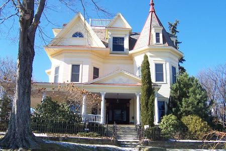 1902 Victorian: Queen Anne photo