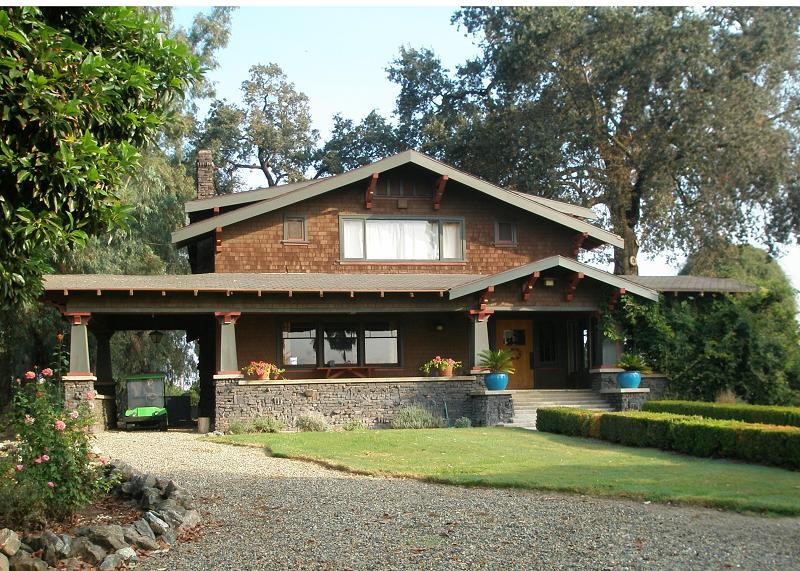 C 1908 craftsman bungalow in exeter california for Craftsman style homes for sale in california