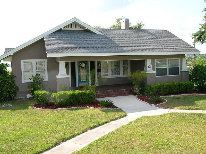1926 craftsman bungalow in lake wales florida for Craftsman homes for sale in florida