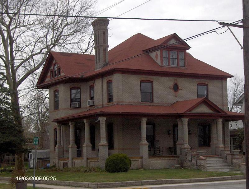 1907 American Foursquare In Bridgeville Delaware