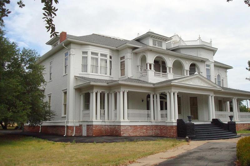 1898 Victorian in Marlin, Texas - OldHouses.com