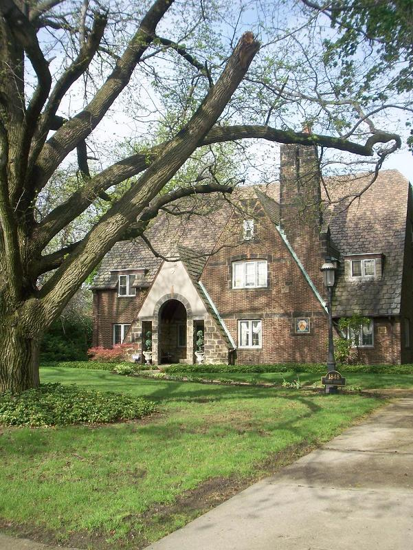 1930 Tudor Revival In Youngstown Ohio Oldhouses Com