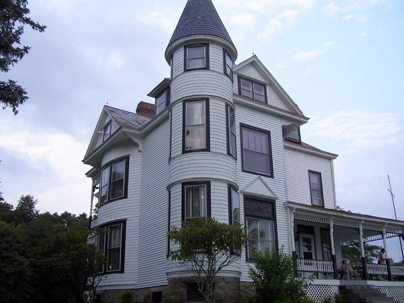 1895 Victorian Queen Anne In Beverly West Virginia