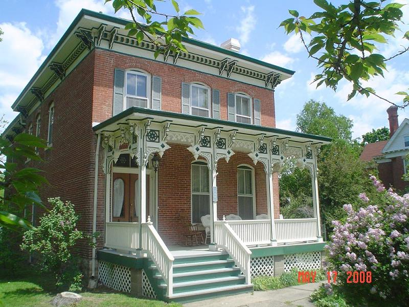 C 1864 italianate in carlinville illinois for Italianate homes for sale