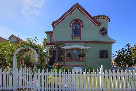 1897 Victorian: Queen Anne photo