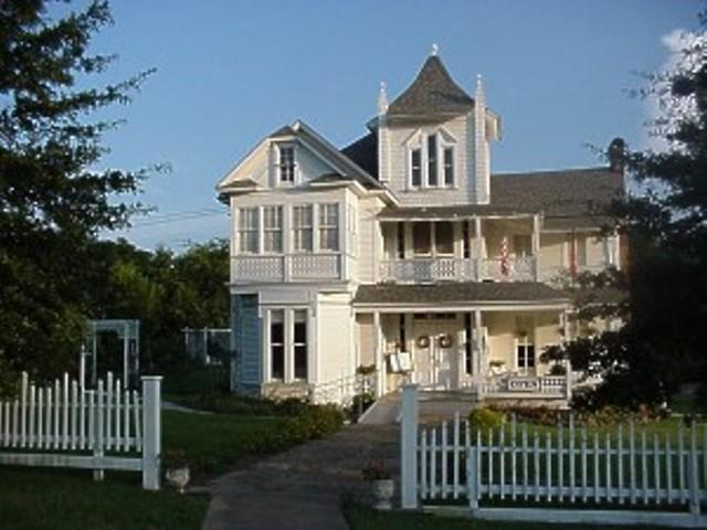 C 1872 Victorian In Jacksonville Texas Oldhouses Com