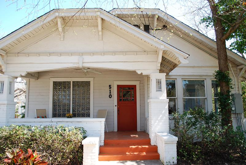 C 1924 craftsman bungalow in hutto texas for Craftsman homes for sale in texas