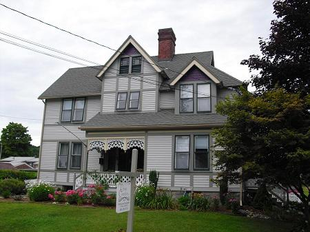 1854 Victorian: Queen Anne photo