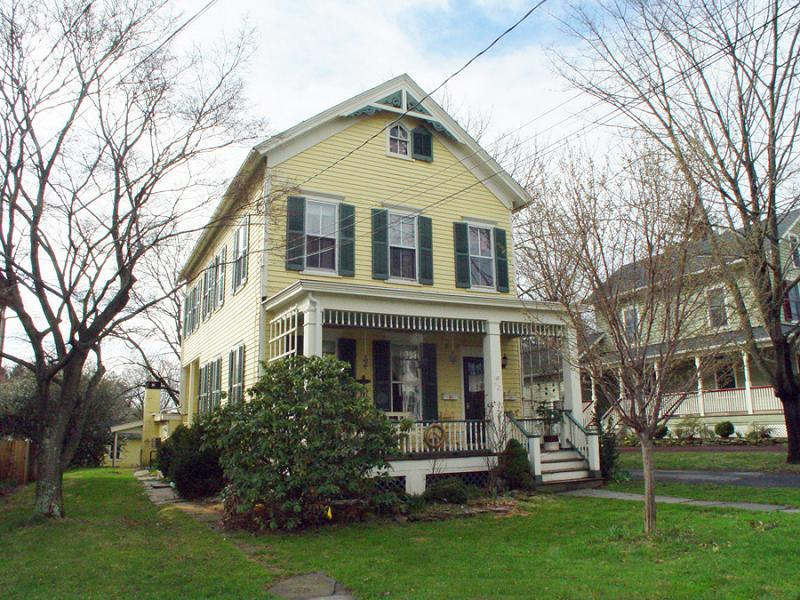 C 1880 colonial in flemington new jersey for Old american houses