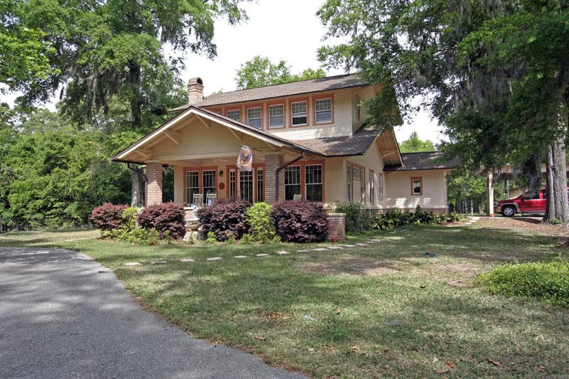 C 1927 craftsman bungalow in chipley florida for Craftsman homes for sale in florida