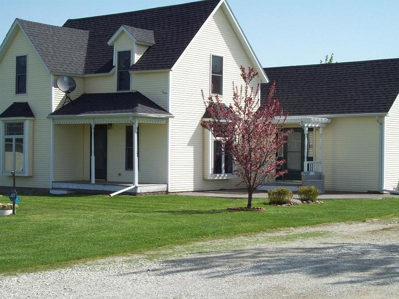 c. 1874 Victorian: Folk in Garden Grove, Iowa - OldHouses.com