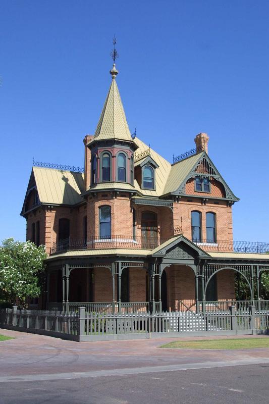 1895 Victorian Eastlake In Phoenix Arizona