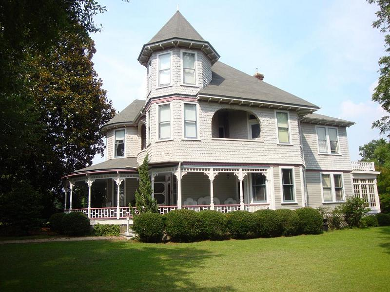 1893 victorian queen anne in carthage north carolina for Our victorian house